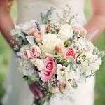 buquê desestruturado - variedade de flores
