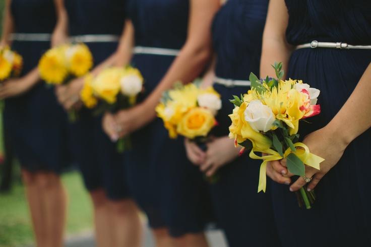 decoracao de casamento azul escuro e amarelo : decoracao de casamento azul escuro e amarelo:damas de azul escuro – Clube Noivas
