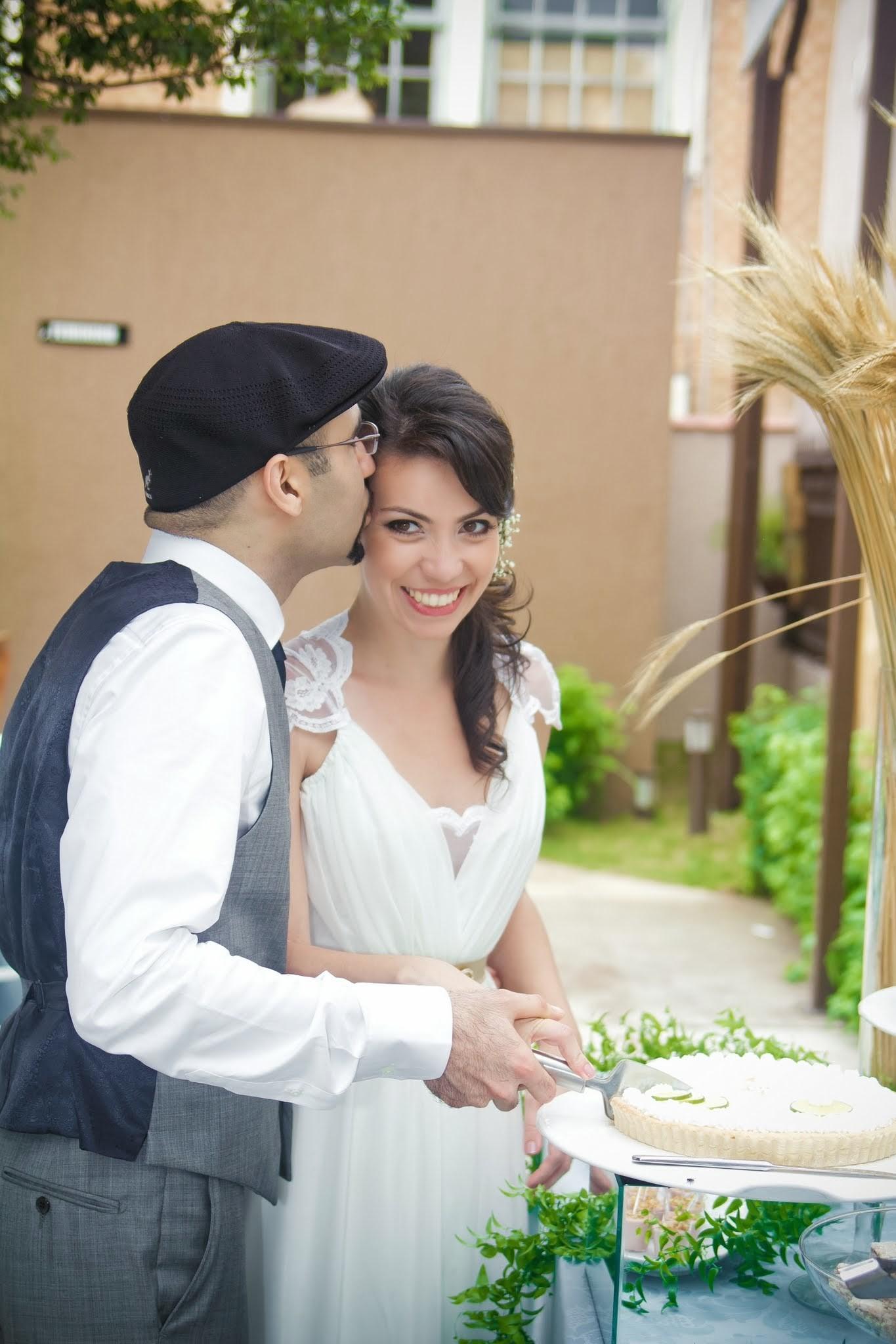 Mini Wedding Nathalia e Nima - Cortando a torta de limão!