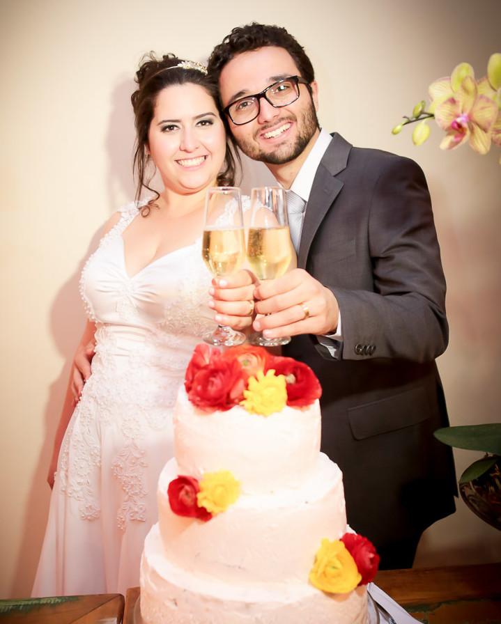Bolo de Casamento com Flores Naturais