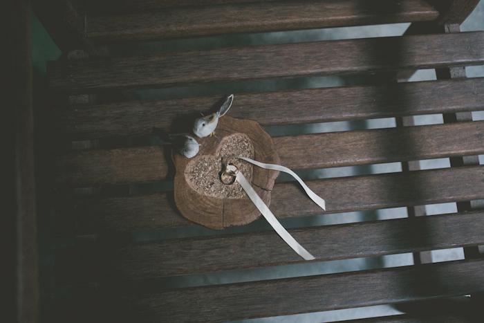 Porta Alianças de Madeira com passarinhos Casamento Ana e Mark - Sítio Meio do Mato - Fotos Aline Lelles - RJ4