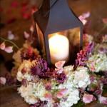 centro de mesa com luminária marroquina e vela