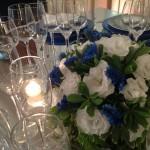 Arranjo de Flores Brancas e Azuis - Kerubin Decorações