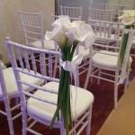 Decoração de Cadeira - Cerimônia com Copos de Leite