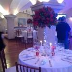 Salão Vip decorado com vermelhos e velas. Um luxo!!