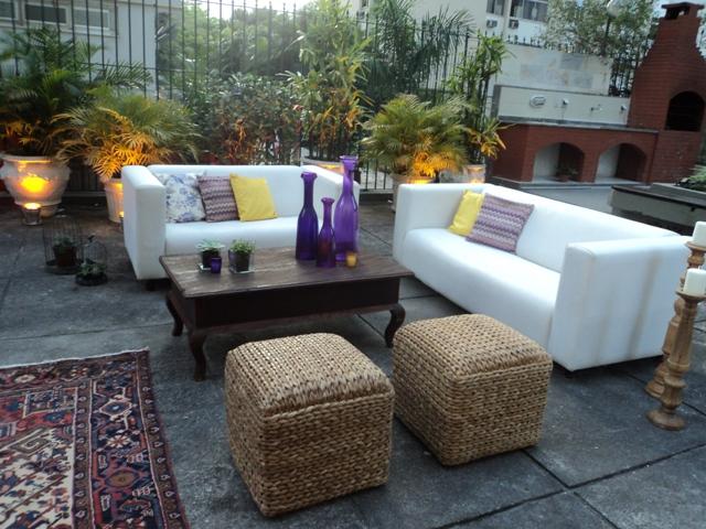 Lounge colorido e confortável com as Almofadinhas coordenadas