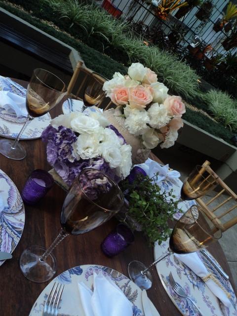 Arranjos Florais e Centros de Mesa - Rosas Lisiantos