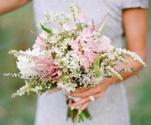 bouquet desestruturado - flores colhidas no campo