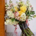 buquê desestruturado - rosa branco e amarelo