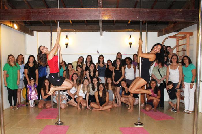 Cha-de-lingerie-da-guiga-pole-dance