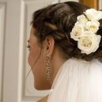 Penteado da Noiva com Rosas brancas