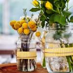 Vidros com tecido - flores amarelas