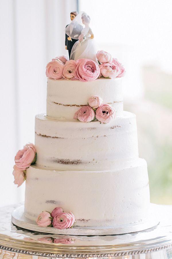 Bolo de Casamento sem pasta americana e com flores naturais