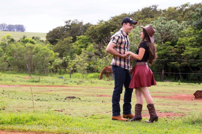 Ensaio na Fazenda - Fabiane e Caio - Clube Noivas (2)